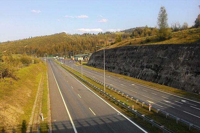 Droga S1 przebiega przede wszystkim przez województwo śląskie, lecz zahacza również o Małopolskę