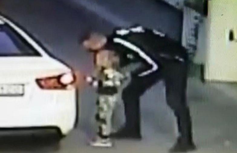 Mama na sekundę odwróciła wzrok. Tak porwano dziecko na stacji benzynowej