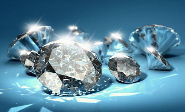 Diamentowy pył w kosmetykach: chwyt marketingowy czy składnik – cud?