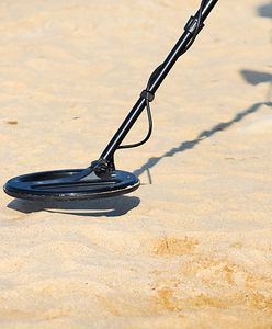 Skarby na polskich plażach. Ministerstwo chce zezwolić na poszukiwania z wykrywaczem