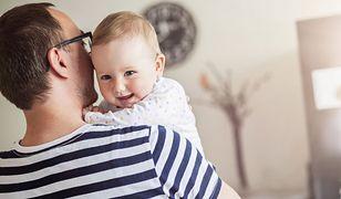 Czy ojcowie powinni zabierać córki do damskich toalet?