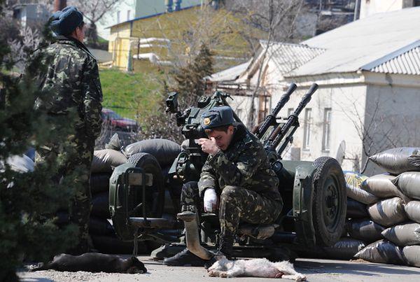 Ukraińscy żołnierze w jednej z baz na Krymie