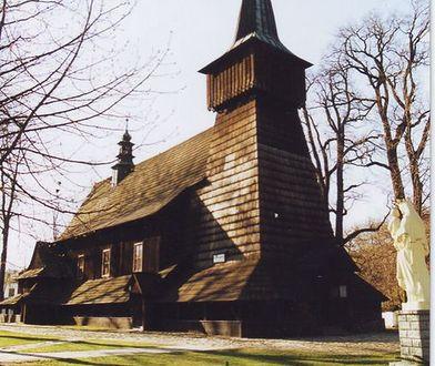 Śląskie. Drewniana świątynia w Gilowicach odzyskuje dawny blask