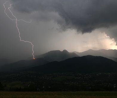 Trzy osoby rażone piorunem w Tatrach