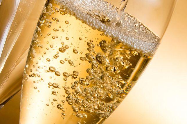 Około 200-letni szampan nie do wypicia