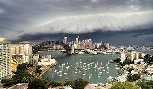 Czarne chmury nad Sydney