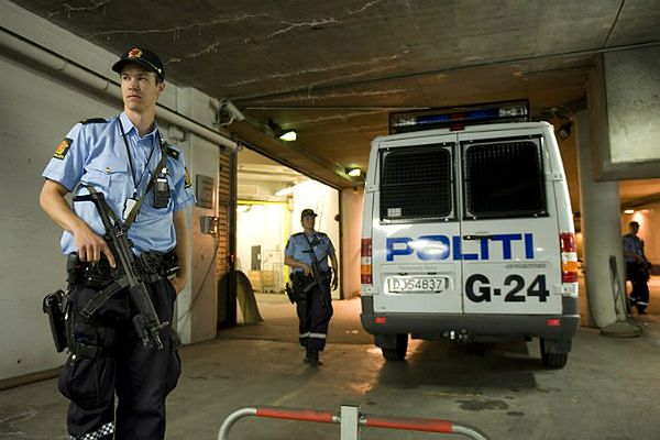 Z władzami norweskimi współdziałają międzynarodowe organizacje policyjne