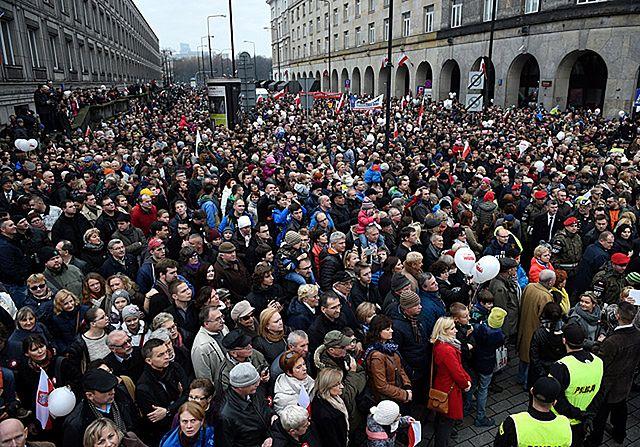 Prezydencki marsz przez Warszawę - zdjęcia