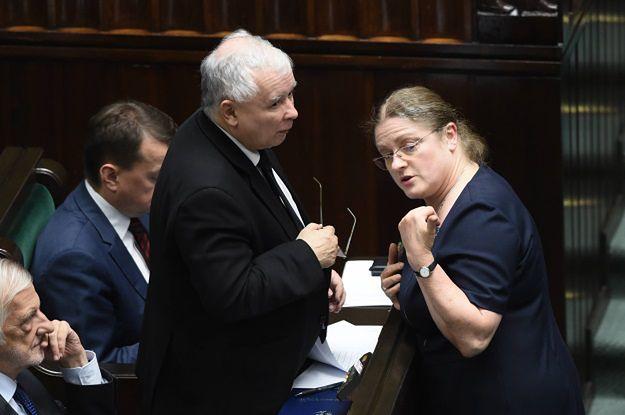 """Krystyna Pawłowicz atakuje wiceszefa KE. """"Wstydzi się Pan choć trochę?"""""""