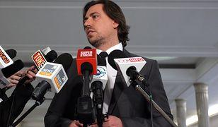 Tomasz Kaczmarek był posłem PiS. Z partii został usunięty w 2014 roku.