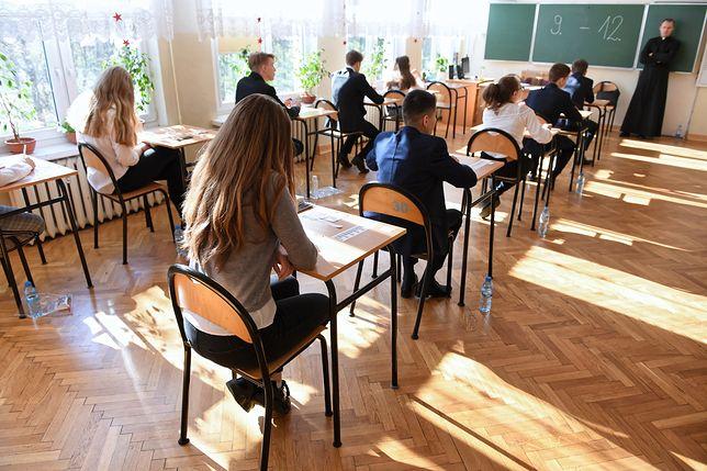 Strajk nauczycieli 2019. We wtorek uczniowie zdają egzamin ósmoklasisty z matematyki