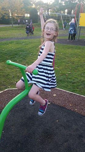 Dziewczynka ze stali - cierpi na jedną z najrzadszych chorób na świecie