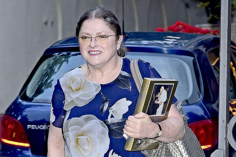 Bez niego Krystyna Pawłowicz nie rusza się nawet do kościoła. Spory koszt