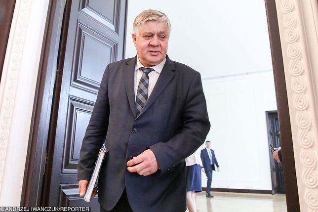 Prezesi agencji rolnych zarabiają więcej niż prezydent Polski. Tak Jurgiel dbał o swoich