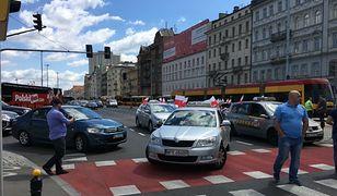 Pracownicy radia zostali zaatakowani gazem przez taksówkarza. Teraz proszą o pomoc