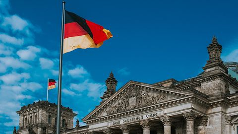 Niemcy zablokowali polską grę, czyli bzdury wokół premiery Land of War