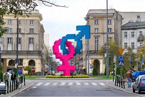 Na pl. Zbawiciela stanie symbol heteroseksualizmu?