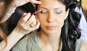 Czego nigdy nie powinna robić profesjonalna makijażystka?