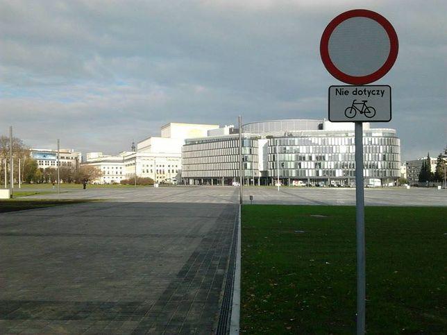 Plac Piłsudskiego otwarty dla rowerów!