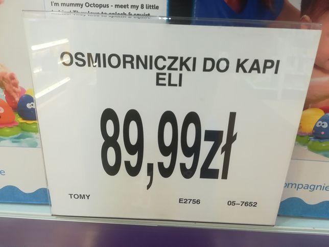 """Niezrozumiałe etykiety w Toys""""R""""Us. Nie potrafią sobie poradzić z językiem polskim"""