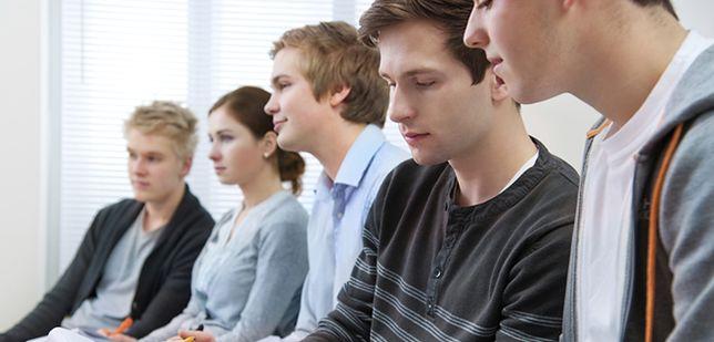 """SLD przedstawia program """"Praca dla młodych"""""""