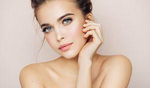 Naturalny makijaż przede wszystkim podkreśla nasze indywidualne piękno.