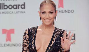 "Królowa ""naked dress""! Jennifer Lopez seksowna jak nigdy"