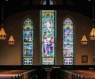 Odmrażanie gospodarki. Zmiany w kościołach i organizacji pogrzebów