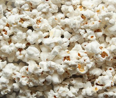Popcorn przyrządzony w domu zawiera mniej kalorii
