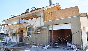 W 2017 r. weszły w życie nowe przepisy prawa budowlanego, które wymusiły na inwestorach wyższe wydatki na niektóre materiały budowlane