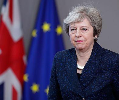 Theresa May ma pozostać na stanowisku do czasu wyłonienia następcy.