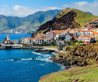 Madera to wyspa znana z górzystej topografii terenu, lasów wawrzynowych i panującej tam wiecznej wiosny