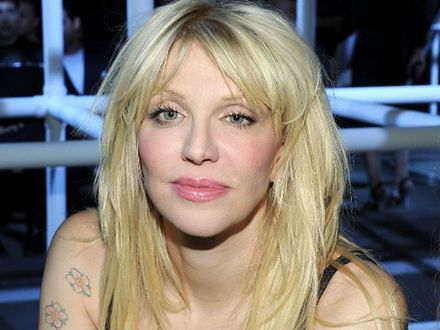 Courtney Love z synami anarchii