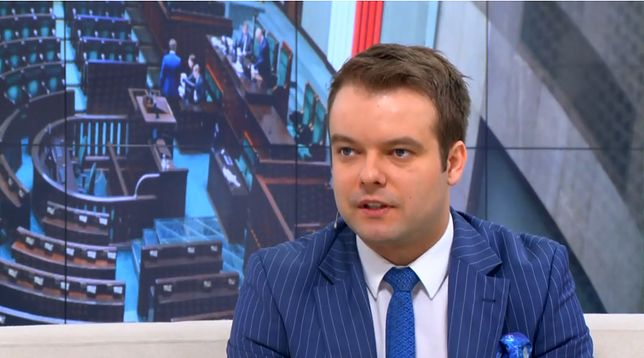 Czy Bartłomiej Misiewicz pobiera wynagrodzenie z MON? Rafał Bochenek: trzeba by było zapytać w ministerstwie
