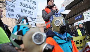 Mieszkańcy Wesołej i Sulejówka podczas protestu 14 stycznia po decyzji rządu w sprawie przebiegu trasy wschodniej obwodnicy Warszawy