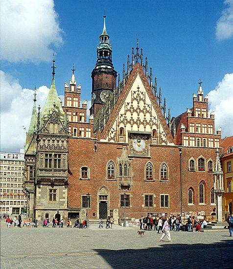 Wrocławski rynek ewakuowany po telefonie o bombie