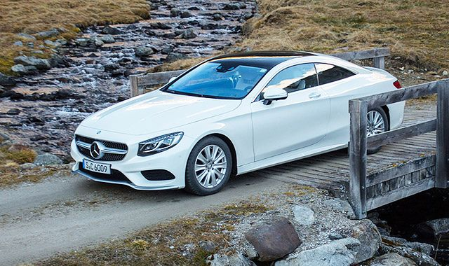 Mercedes S 500 Coupe 4MATIC: stylowa podróż w luksusie