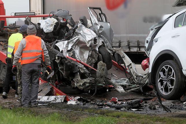 Miejsce śmiertelnego wypadku na drodze krajowej nr 61 w Kisielnicy (pow. łomżyński)