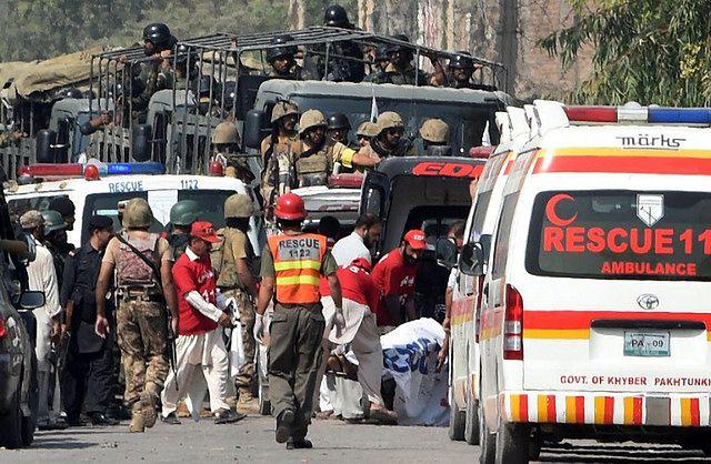 Zamach w świątyni w Pakistanie. Dziesiątki zabitych