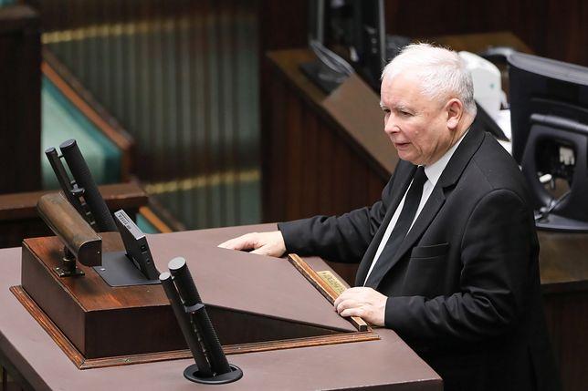 Kaczyński  na mównicy sejmowej, 19 listopada 2019 r.