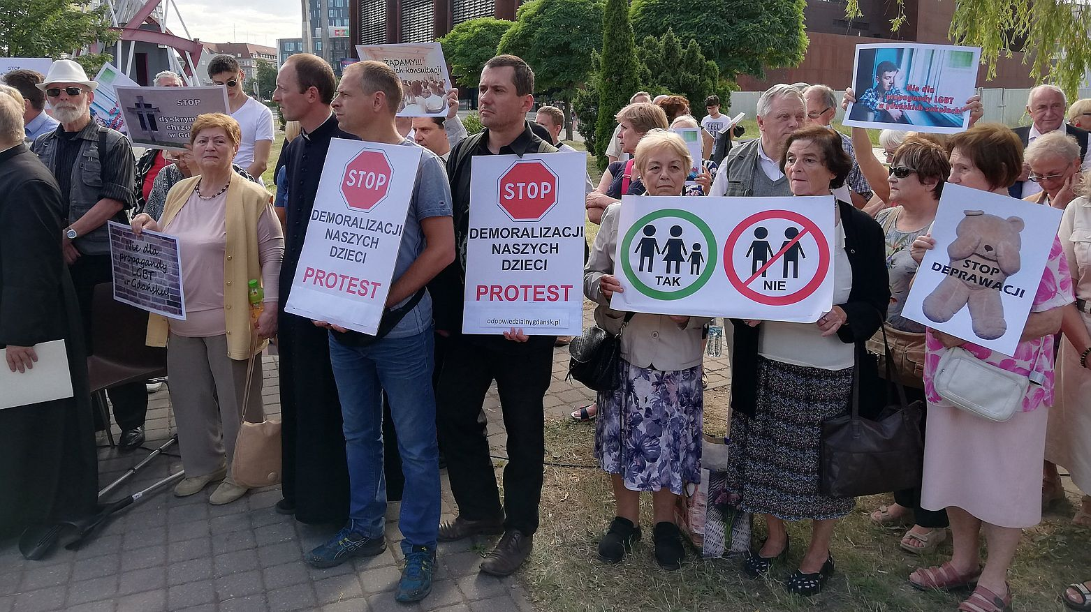 Gdańska prawica w natarciu: lewactwo chce uczyć dzieci masturbacji