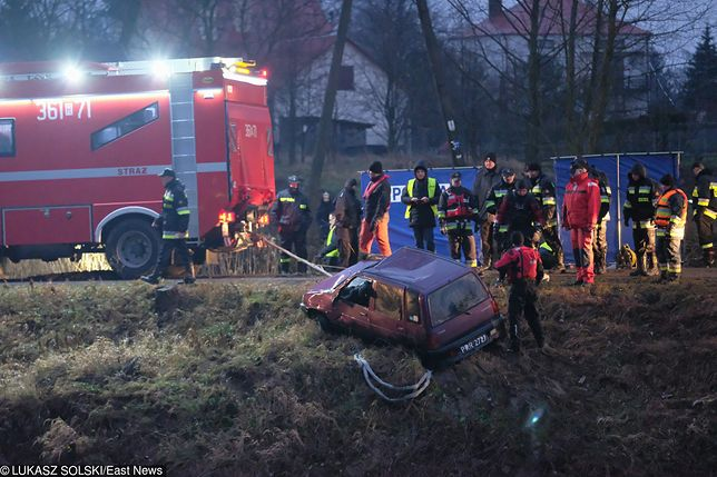 W samochodzie były ciała pięciu osób
