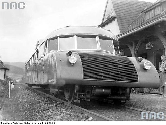 Wizytówka przedwojennej kolei