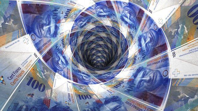 Frank w potrzasku. Kurs szwajcarskiej waluty już poniżej 3,75 zł