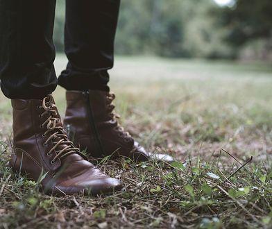 Buty za kostkę też mogą być eleganckie