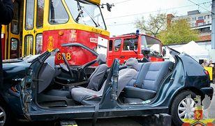 413 zdarzenia drogowe, 64 osoby ranne, dwie zginęły