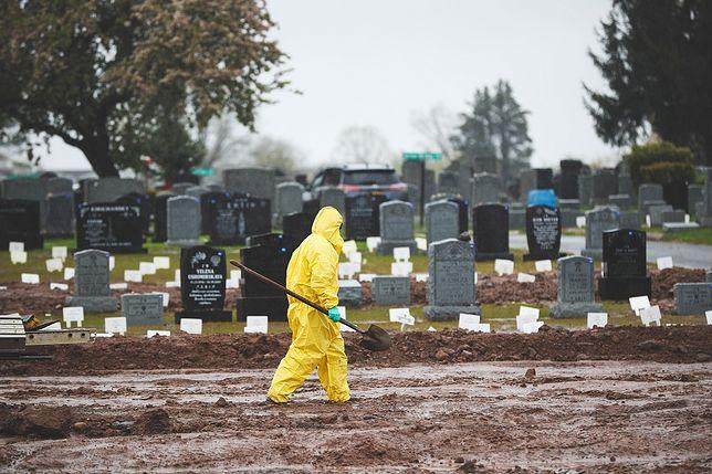 Koronawirus. Liczba ofiar śmiertelnych przekroczyła kolejną granicę