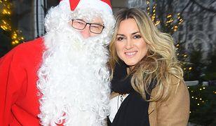 Karolina Szostak na kolanach Świętego Mikołaja. Była grzeczna w tym roku?