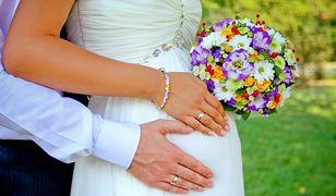 Suknie ślubne dla dziewczyn w ciąży – wybieramy najfajniejsze