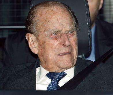 Książę Filip spowodował wypadek. Nie odezwał się do ofiary
